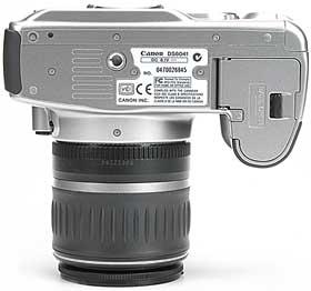 Canon EOS 300D - unten [Foto: MediaNord]