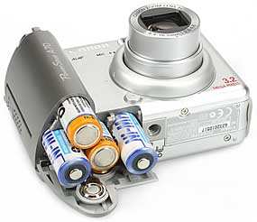 Canon PowerShot A70 - Batterie- bzw Akkufach [Foto: MediaNord]