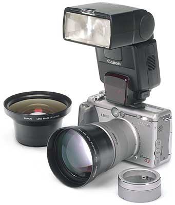 Canon PowerShot G3 mit Konvertern und Zusatzblitz [Foto: MediaNord]