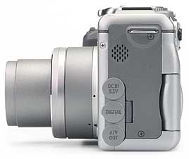 Canon PowerShot G3 - linke Kameraseite [Foto: MediaNord]