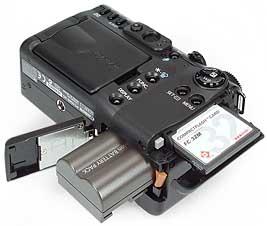 Canon PowerShot G5 - Akku- und Speicherplatz [Foto: MediaNord]
