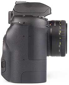 Fujifilm FinePix S2 Pro mit Objektiv AF Nikkor 50mm F1.8 D - rechte Kameraseite [Foto: MediaNord]