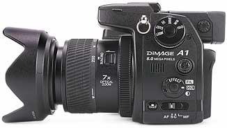 Minolta Dimage A1- rechte Kameraseite [Foto: MediaNord]