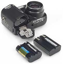 Nikon Coolpix 4300 mit Lithiumionen-Akku [Foto: MediaNord]