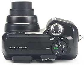 Nikon Coolpix 4300 - oben [Foto: MediaNord]