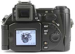 Nikon Coolpix 5700 - Rückansicht [Foto: MediaNord]
