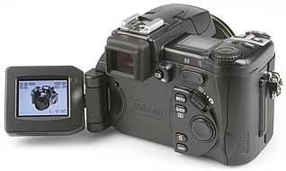 Nikon Coolpix 5700 - LCD-Bildschirm geklappt [Foto: MediaNord]