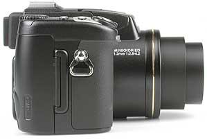 Nikon Coolpix 5700 - rechte Kameraseite [Foto: MediaNord]