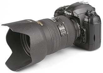 Nikon D100 mit Objektiv AF-S Nikkor 28-70 mm 2,8 D [Foto: MediaNord]