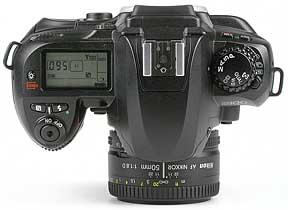 Nikon D100 mit Objektiv AF Nikkor 50 mm 1,8 D - oben [Foto: MediaNord]