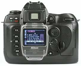 Nikon D100 - Rückseite [Foto: MediaNord]