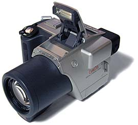 Olympus C-2500L Frontansicht [Foto: MediaNord]