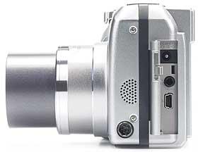 Olympus C-730 Ultra Zoom - linke Kameraseite [Foto: MediaNord]