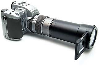 Olympus Flash Film Scanner 35 an Sony DSC-D700 [Foto: MediaNord]