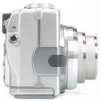 Sony DSC-V1- rechte Kameraseite [Foto: MediaNord]