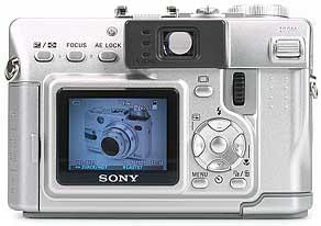 Sony DSC-V1- Rückansicht [Foto: MediaNord]