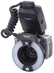 Canon PowerShot G2 mit Ringblitz [Foto: Canon]