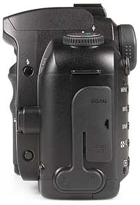 Canon EOS D60 linke Kameraseite [Foto: MediaNord]