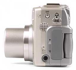 Canon PowerShot G2 - linke Kameraseite [Foto: MediaNord]