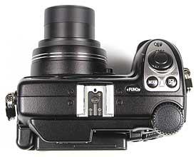 Nikon Coolpix 5000 Oberseite [Foto: MediaNord]