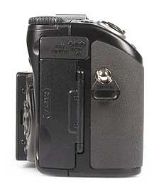 Nikon Coolpix 5000 - rechte Kameraseite [Foto: MediaNord]
