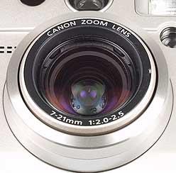 Detailaufnahme Objektiv der Canon PowerShot G2 [Foto: MediaNord]