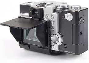 Leica digilux 1 mit montierter Monitor-Sonnenblende [Foto: MediaNord]