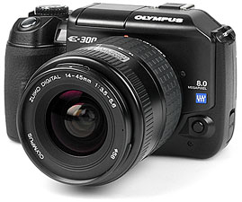Olympus E-300 [Foto: MediaNord]