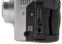 Canon PowerShot G1 - Anschlüsse [Foto: MediaNord]