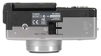 Canon PowerShot G1 - Unterseite [Foto: MediaNord]