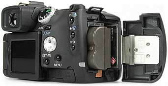 Canon PowerShot Pro1 - Akku- und Speicherplatz [Foto: MediaNord]