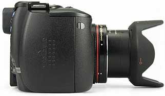 Canon PowerShot Pro1 mit Sonnenblende - rechte Kameraseite [Foto: MediaNord]