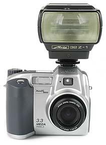 Epson PhotoPC 3000Z mit Metz mecablitz 32Z [Foto: MediaNord]