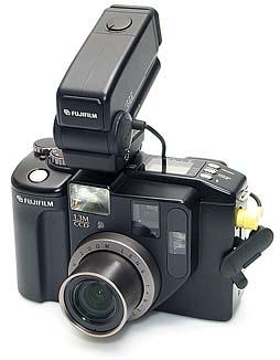 Fujifilm DS-330 mit LCD-Sucher LV-D3 [Foto: MediaNord]