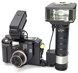Fujifilm DS-330 mit Metz 45 CL-1 [Foto: MediaNord]