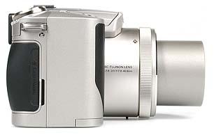 Fujifilm FinePix 4900 Zoom rechte Kameraseite[Foto: MediaNord]