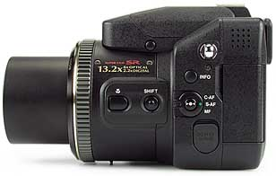 Fujifilm FinePix S20 Pro - linke Kameraseite [Foto: MediaNord]