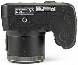Fujifilm FinePix S20 Pro - unten [Foto: MediaNord]