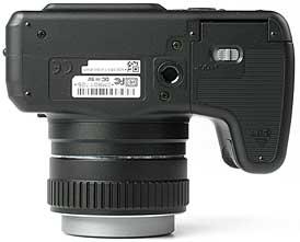 Kyocera Finecam M410R - unten [Foto: MediaNord]
