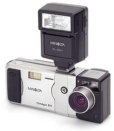 Minolta Dimâge EX Wide 1500 mit Blitzadapter FA-EX1 und Blitzgerät FL-EX1 [Foto: MediaNord]