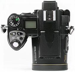 Nikon Coolpix 8800 - oben [Foto: MediaNord]
