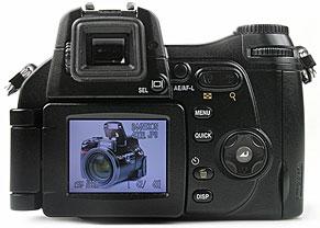 Nikon Coolpix 8800 - Rückseite [Foto: MediaNord]