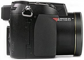Nikon Coolpix 8800 - rechte Kameraseite [Foto: MediaNord]