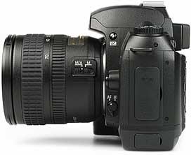 Nikon D70 - linke Kameraseite [Foto: MediaNord]