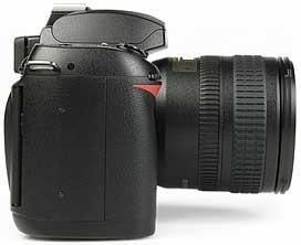 Nikon D70 - rechte Kameraseite [Foto: MediaNord]
