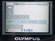 Olympus C-2000 Zoom Detail On-Screen-Menü
