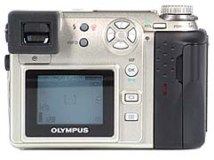 Olympus C-2100 Ultra Zoom Rückseite [Foto: MediaNord]
