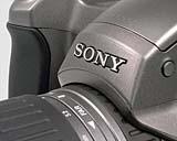 Sony DSC-D770 Detail Sony-Schild [Foto: MediaNord]