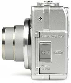 Sony DSC-W1- linke Kameraseite [Foto: MediaNord]