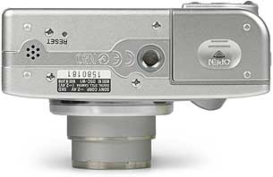 Sony DSC-W1- unten [Foto: MediaNord]